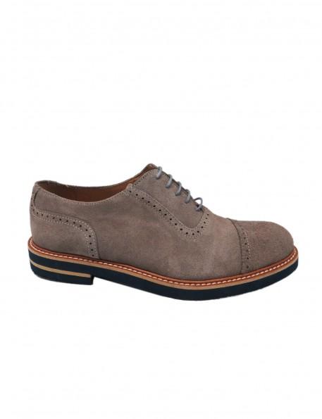 zapato gris